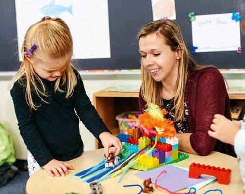 Zestaw Lego Duplo STEAM PArk to połączenie świetnej zabawy wraz z rozwijaniem kluczowych umiejętności XXI wieku.